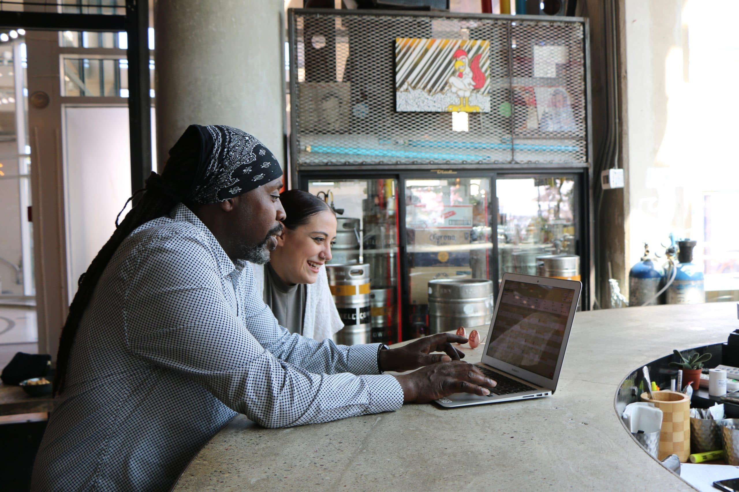 Auto-entrepreneur avec un seul client : quels risques de requalification en contrat de travail ?